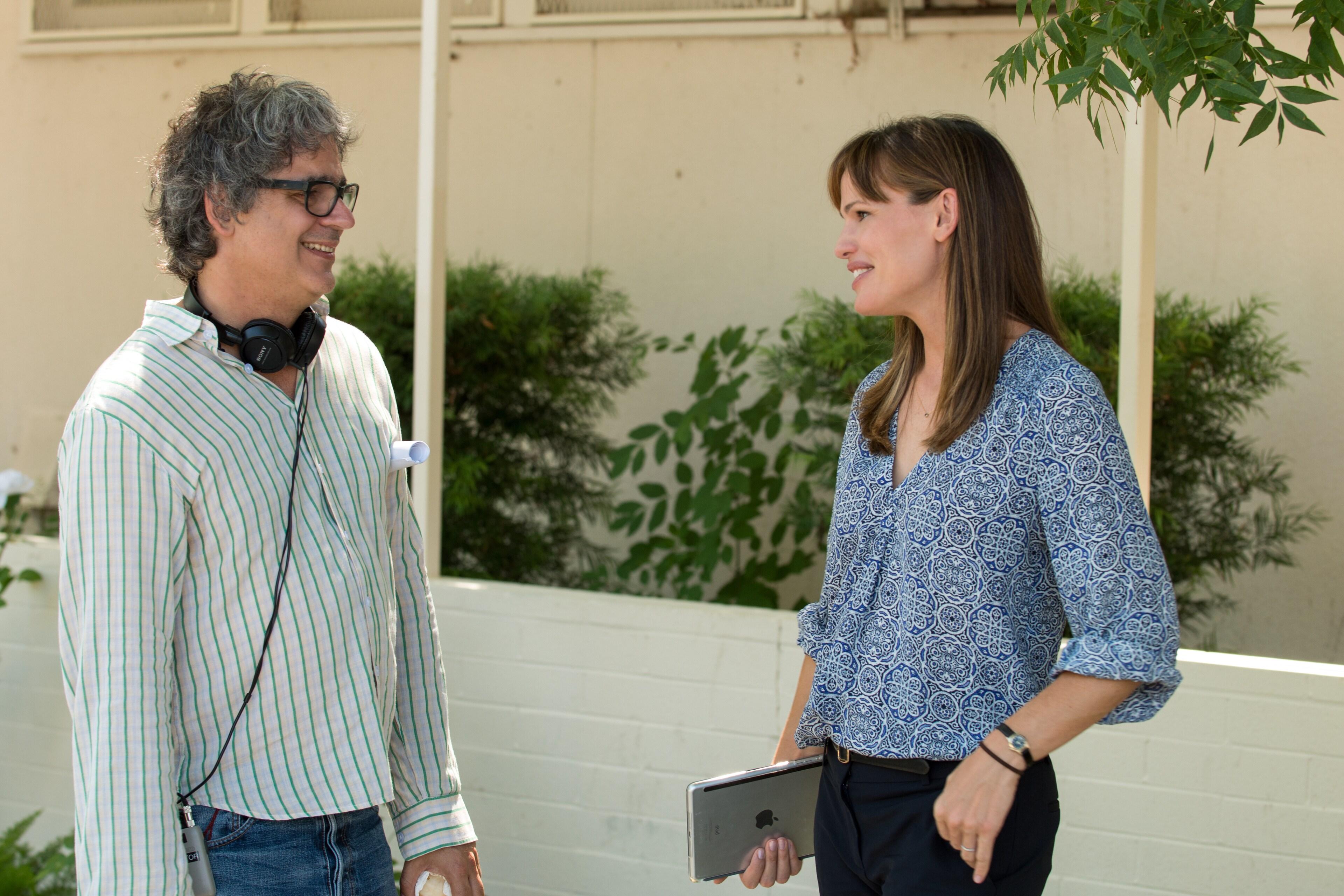 Miguel Arteta and Jennifer Garner speaking together on set