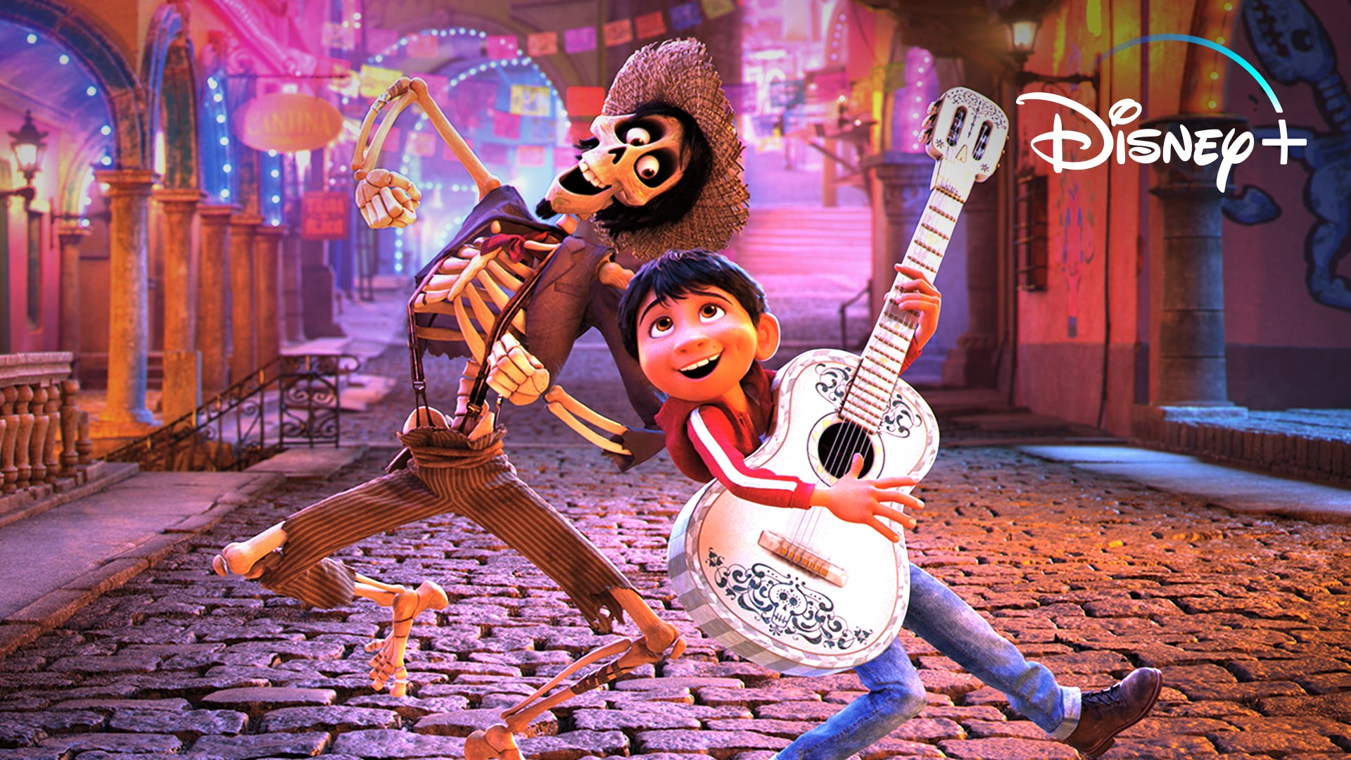 How Coco Honor Día de los Muertos | Disney+