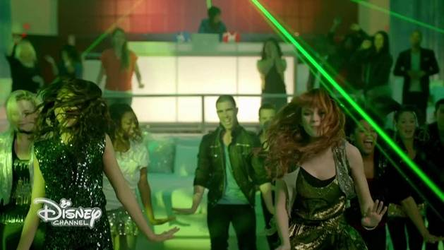 Bella e Zendaya - A tutto ritmo - Mash up Something to Dance for