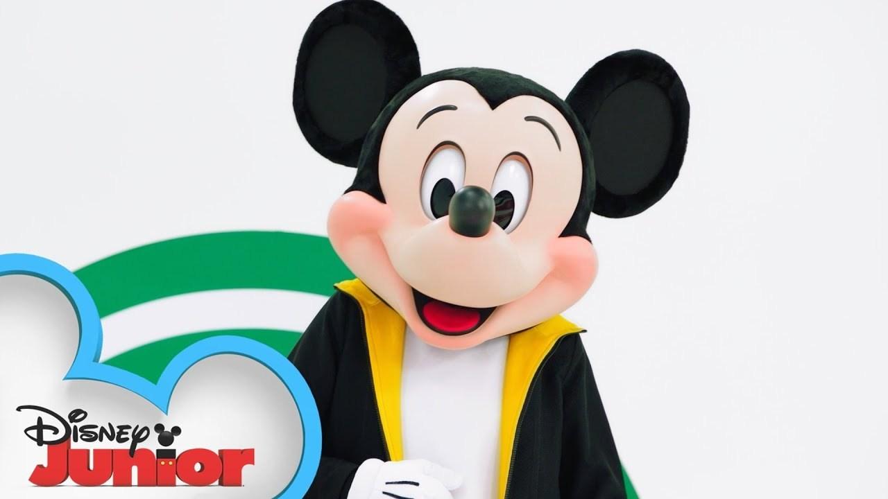 Hot Dog Dance Tutorial Part 3 - Disney Junior