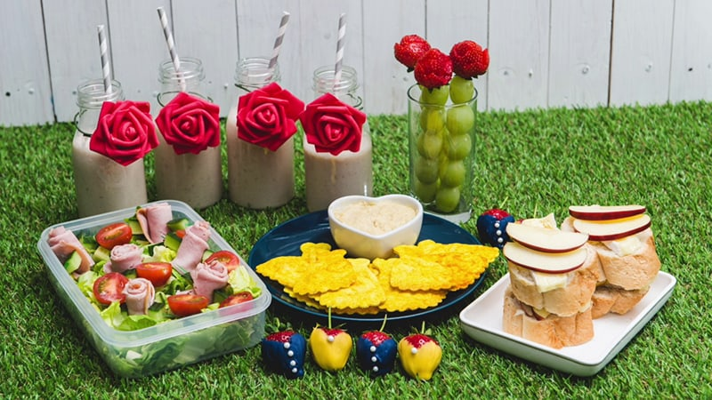 DisneyLife's Beauty and the Beast Picnic