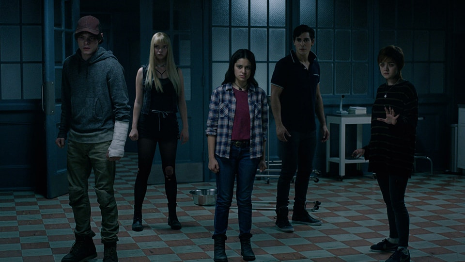 Maisie Williams, Anya Taylor-Joy, Charlie Heaton, Henry Zaga, and Blu Hunt in The New Mutants