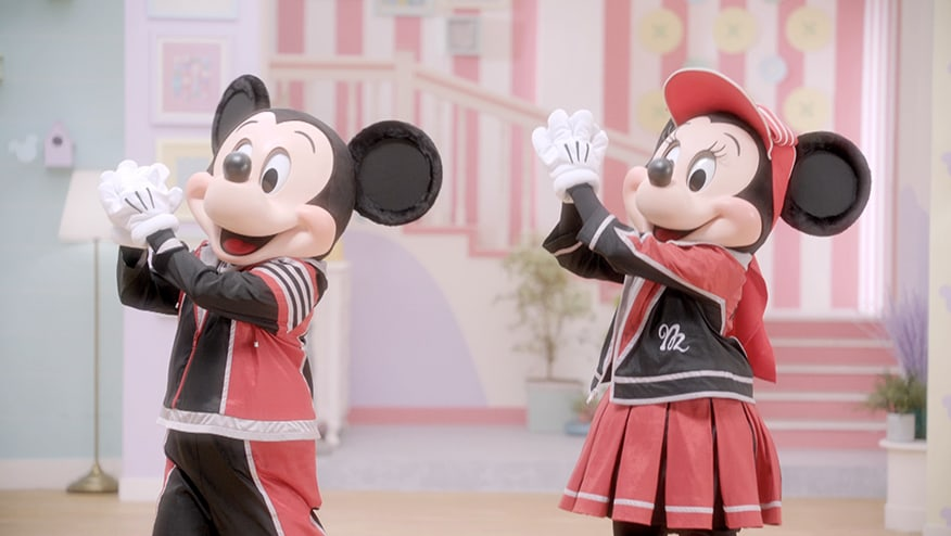 Stay Fit with Mickey and Minnie | Clap Step
