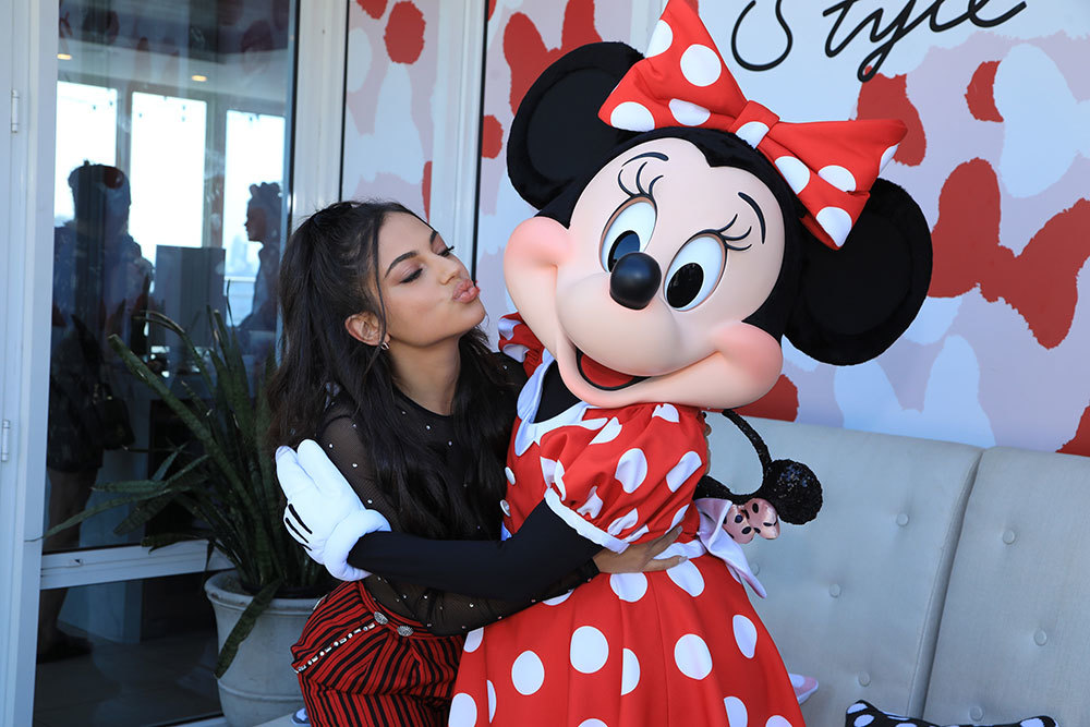 Inanna Sarkis and Minnie Mouse hugging