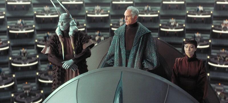 Mas Amedda and Supreme Chancellor Valorum addressing the Galactic Senate