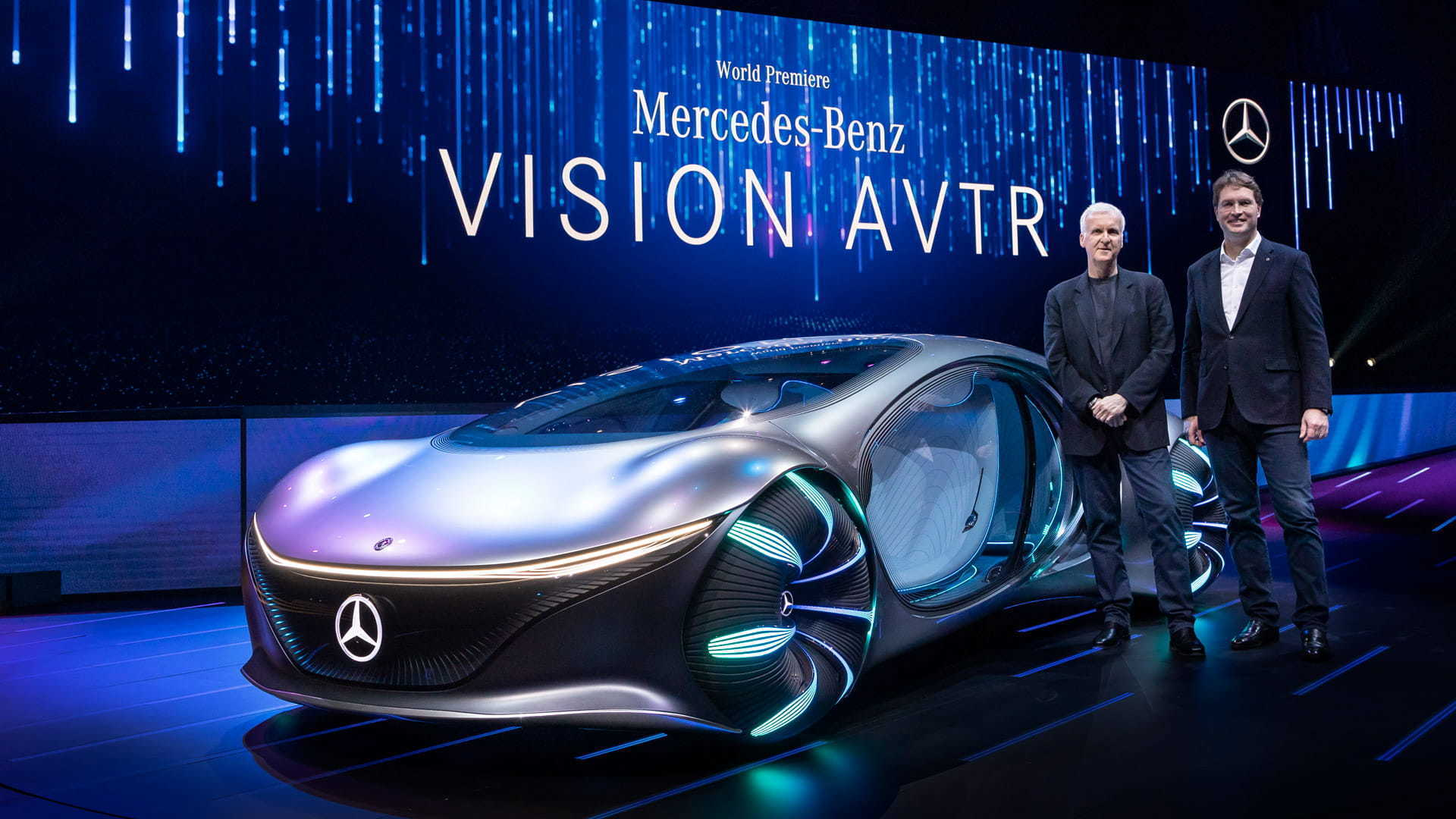 Director James Cameron and Mercedes-Benz CEO, Ola Källenius pose with the VISION AVTR at CES 2020.