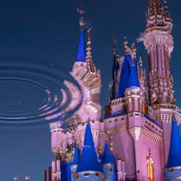 Detrás de las Cámaras: el reflejo de los nuevos colores reales del castillo de Cenicienta