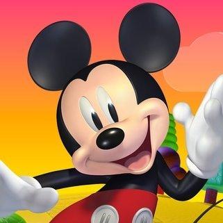 ¡Las mañanas de octubre se llenan de la magia de Mickey, celebra coloreando sus dibujos!
