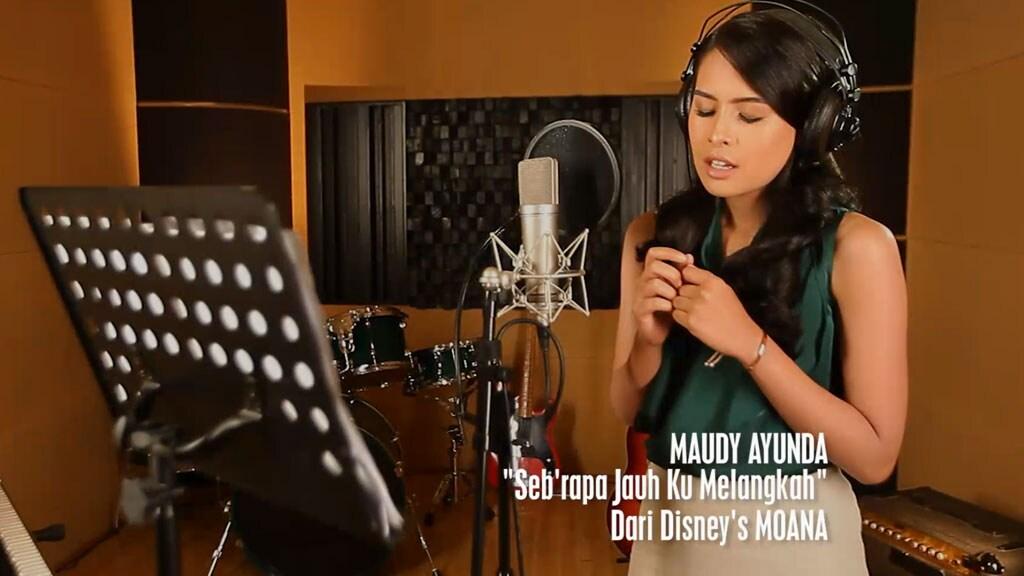 """Seb'rapa Juah Ku Melangkah"" (""How Far I'll Go"") - Disney Moana Music Video"