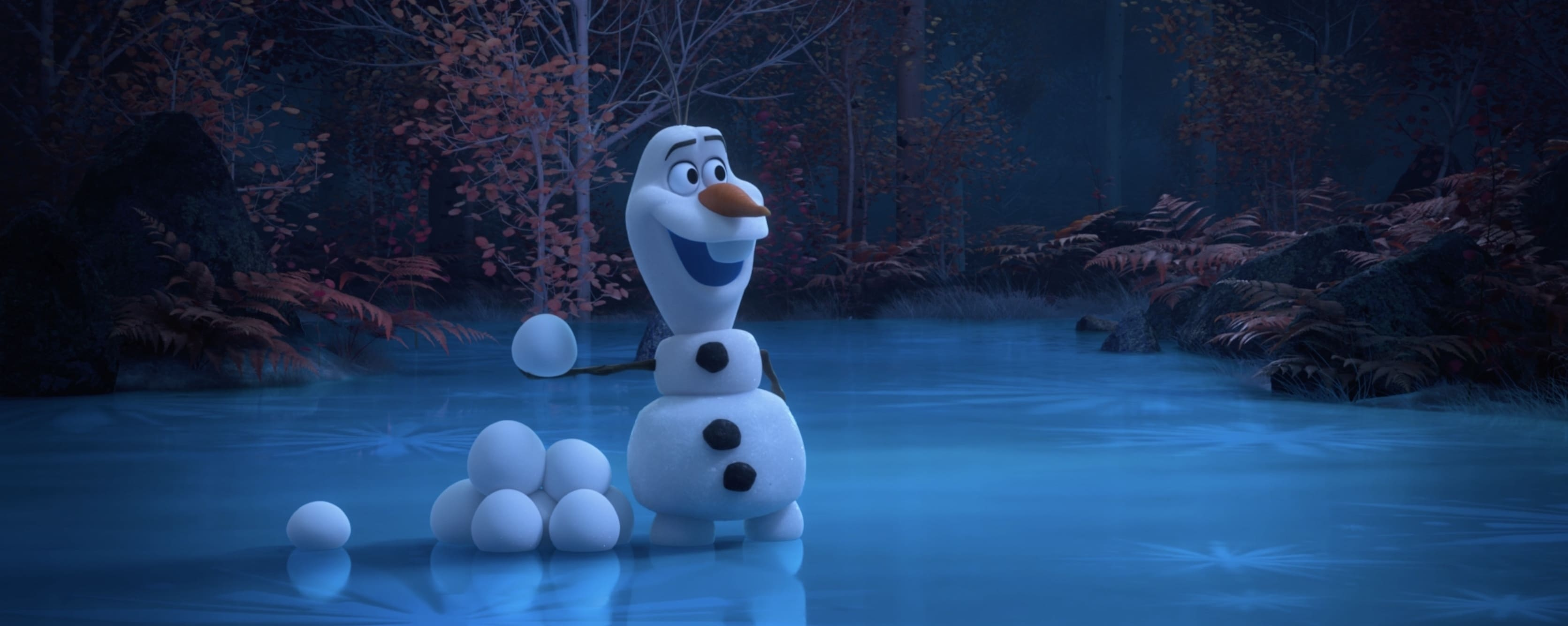 Olaf-fun-with-snow