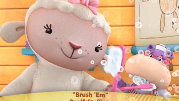 มิวสิควิดีโอ: Brush Them