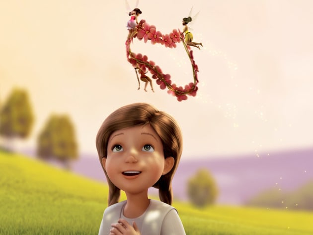Lizzy's new fairy friends bring her a beautiful crown of flowers.