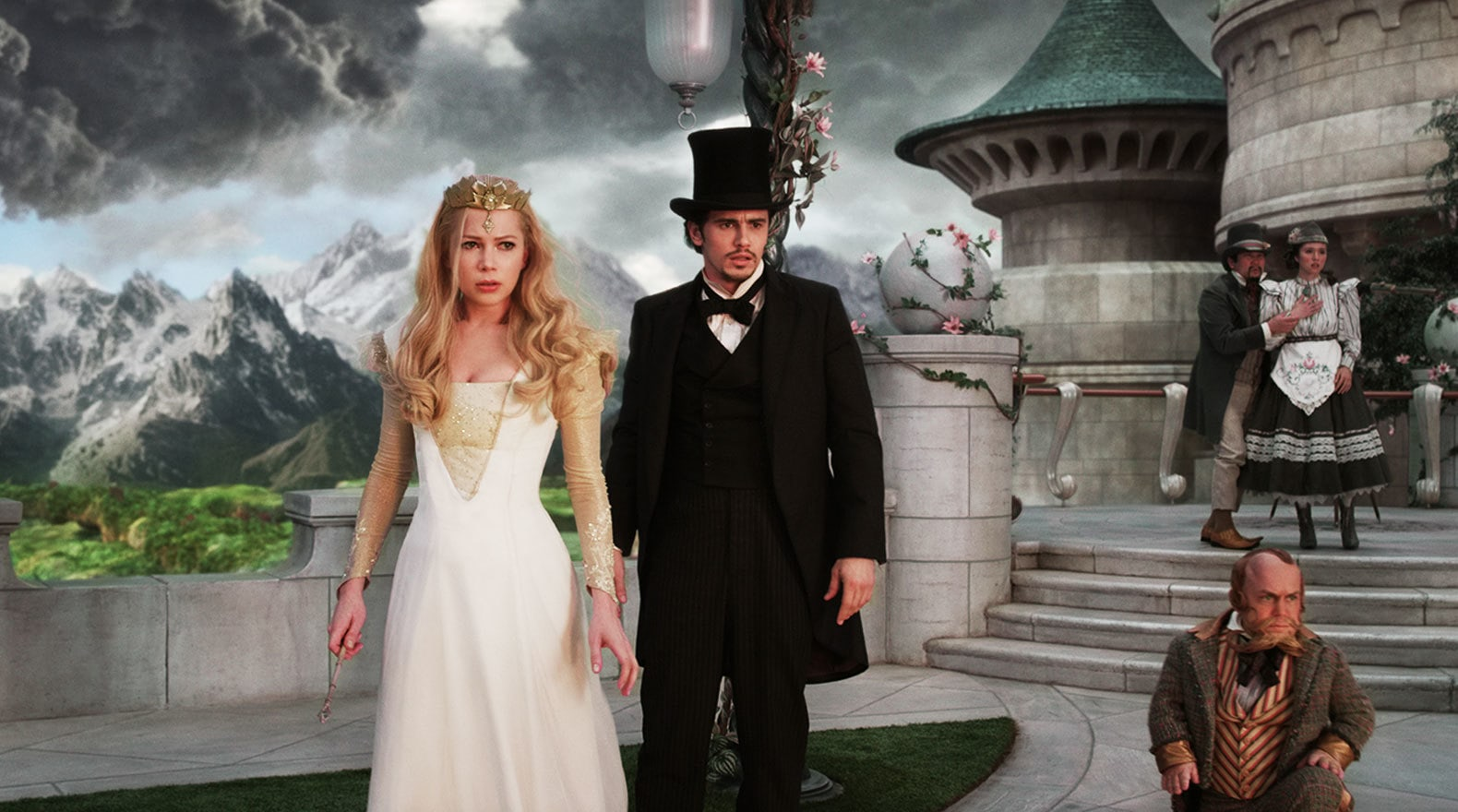 """James Franco and Michelle Williams in """"Oz the Great and Powerful"""""""