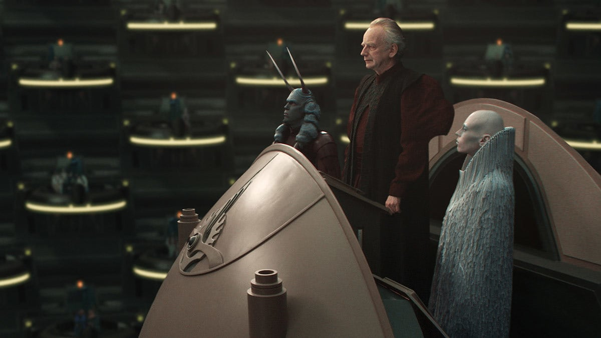 Chancellor Palpatine and his entourage addressing the Galactic Senate