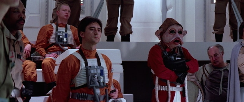 Wedge Antilles, Nien Nunb, and other Rebel personnel strategizing before the Battle of Endor