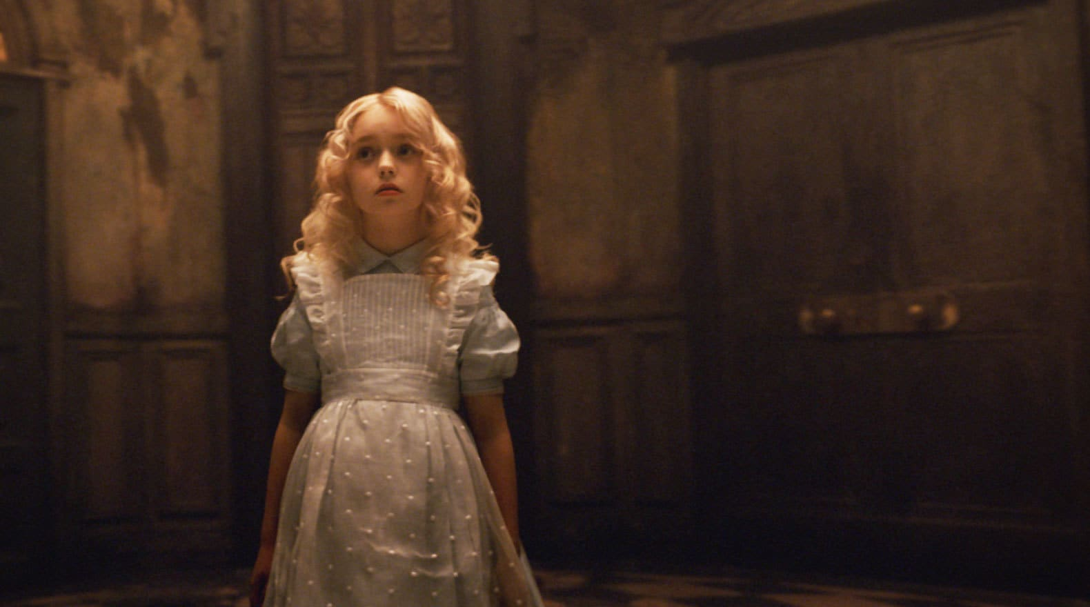 Alice makes her first vist to Underland as a little girl.