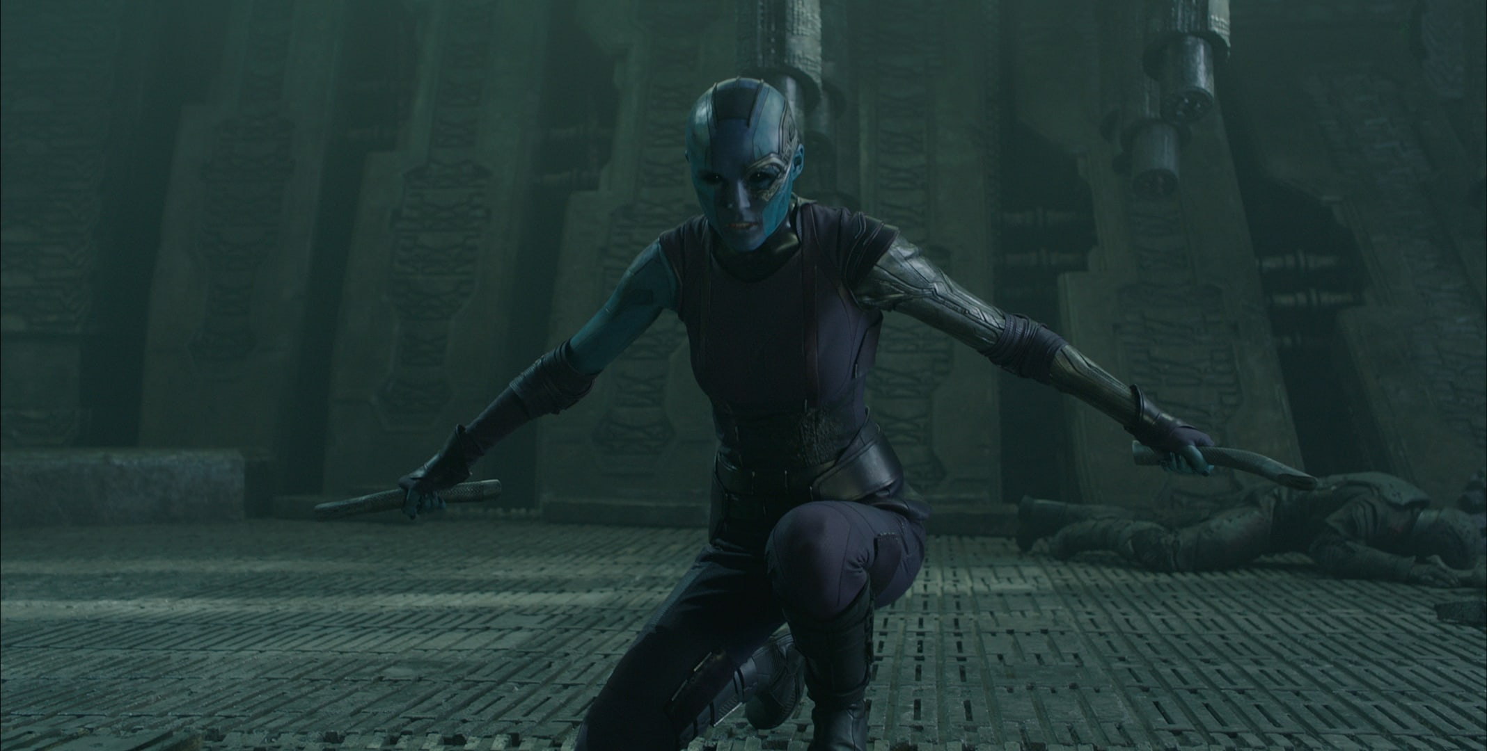 Karen Gillan as Nebula holding daggers in the film Guardians of the Galaxy