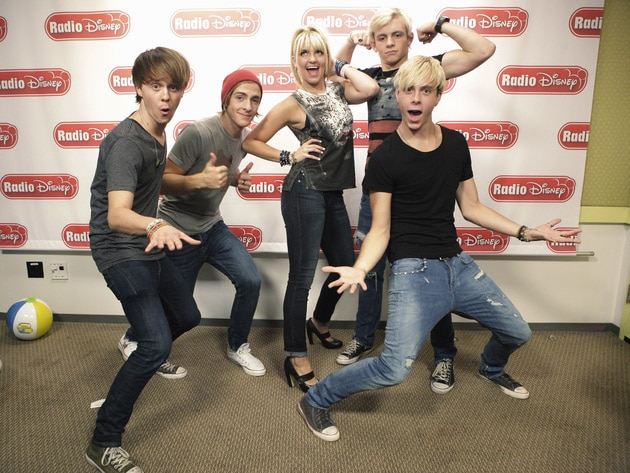R5 strikes a pose in the Radio Disney studio