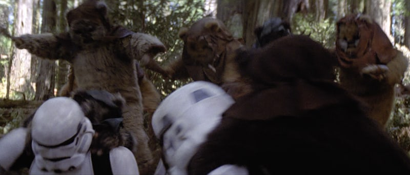 Stormtroopers being ambushed by Ewoks on Endor