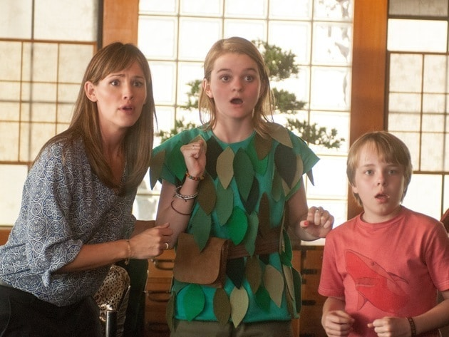 Jennifer Garner portrays Alexander's mom, Kerris Dorsey portrays his sister, an aspiring Peter Pa...
