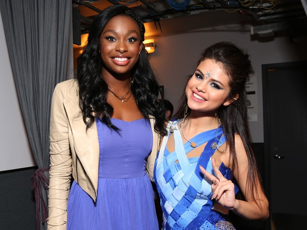 Selena Gomez & Coco Jones hanging out in the 2013 RDMA Minnie Lounge