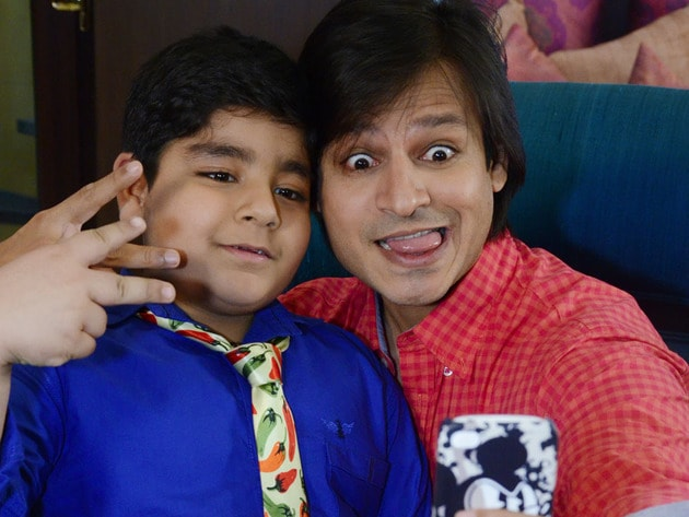 Captain Tiao and Vivek Oberoi share a lighter moment