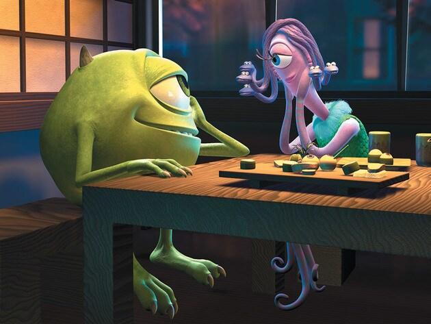 Googlie-Bear and Schmoopsie-Poo enjoy a romantic dinner at Harryhausen's.