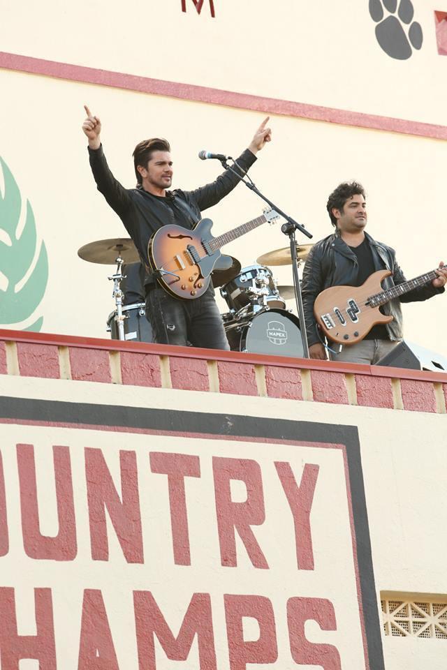 "Juanes performs on ""McFarland, USA"""