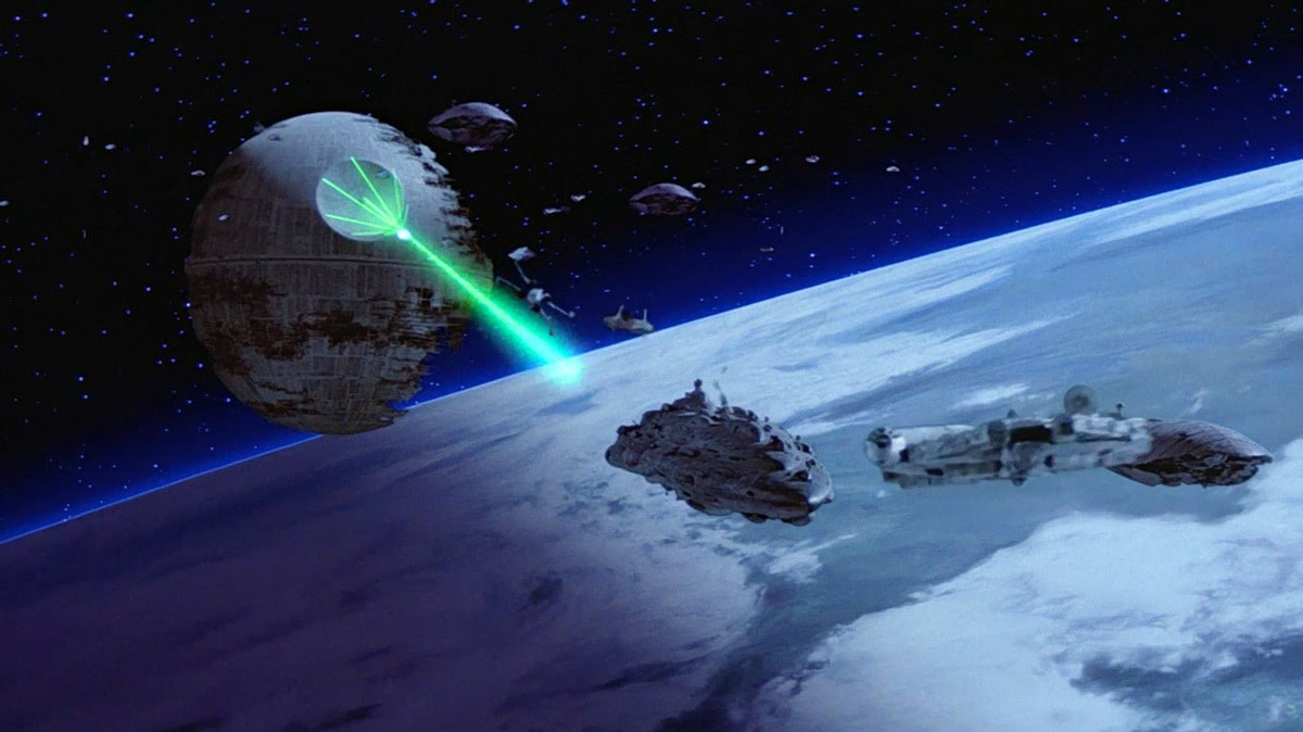 The Death Star II firing at Rebel cruisers
