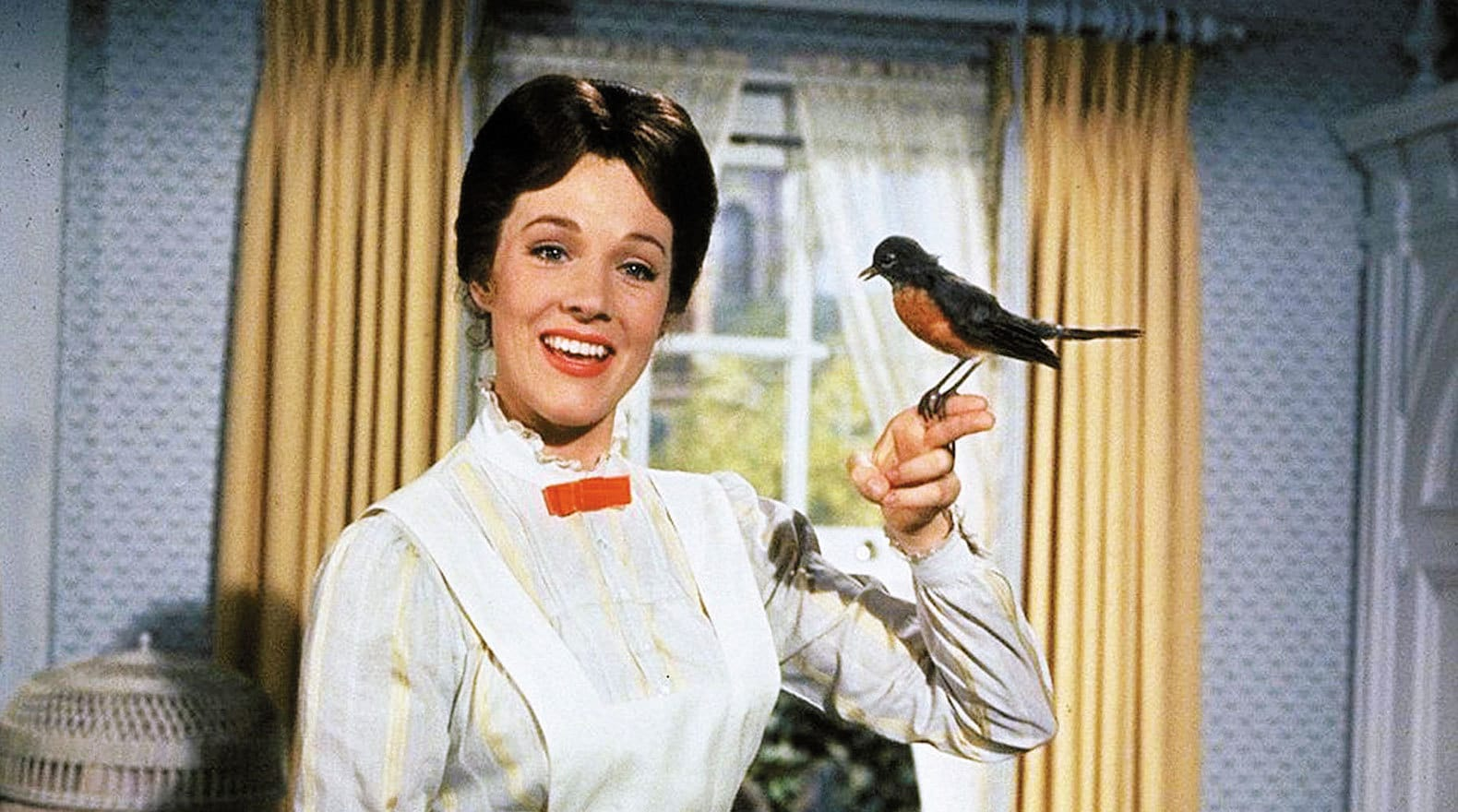 """Mary Poppins sings """"A Spoonful of Sugar"""" with a bird on her finger in """"Mary Poppins"""""""