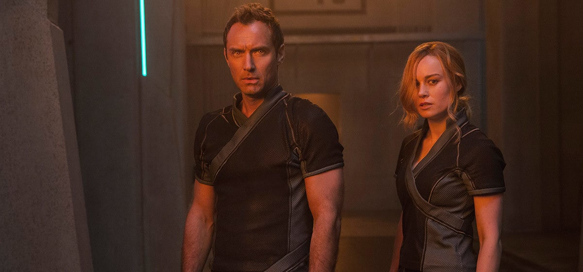 Brie Larson (Captain Marvel) and Jude Law (Yon-Rogg) in Marvel Studios' Captain Marvel