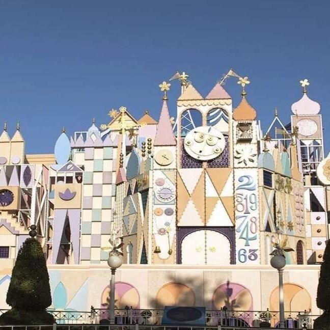 """Disfruta de un paseo virtual mágico a través de """"It's a Small World"""""""