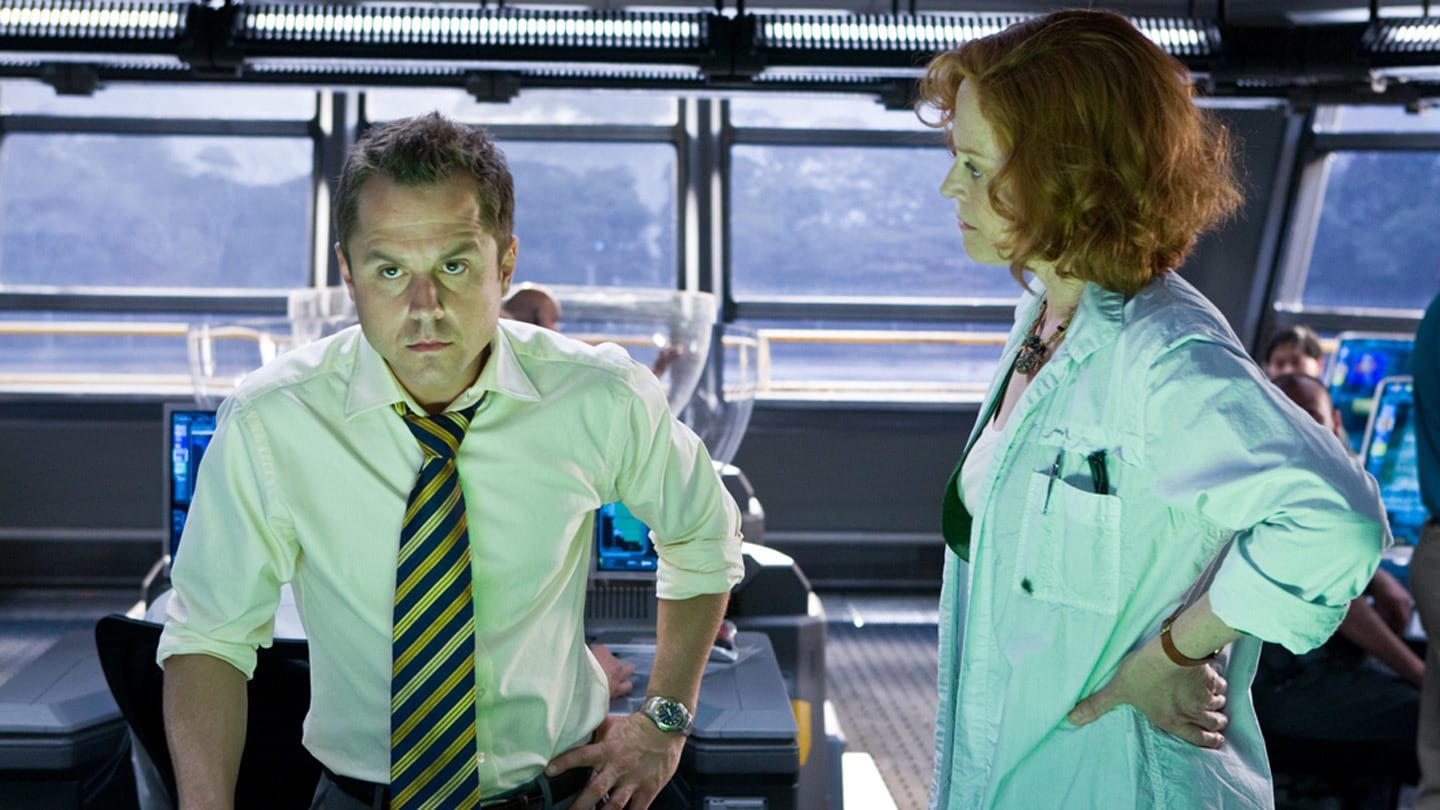 Dr. Grace Augustine, played by Sigourney Weaver, confronts Parker Selfridge, played by Giovanni Ribisi