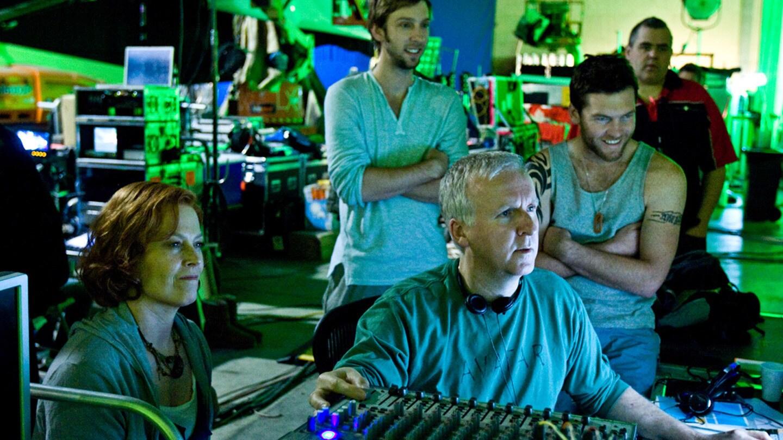 Behind the scenes with Director James Cameron and actors Sigourney Weaver, Sam Worthington, & Joel David Moore