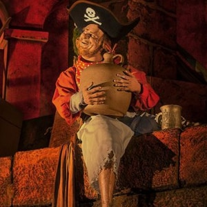 "Descubra Tesouros e Segredos Preciosos a Bordo da ""Pirates of the Caribbean"" no Disneyland Resort"