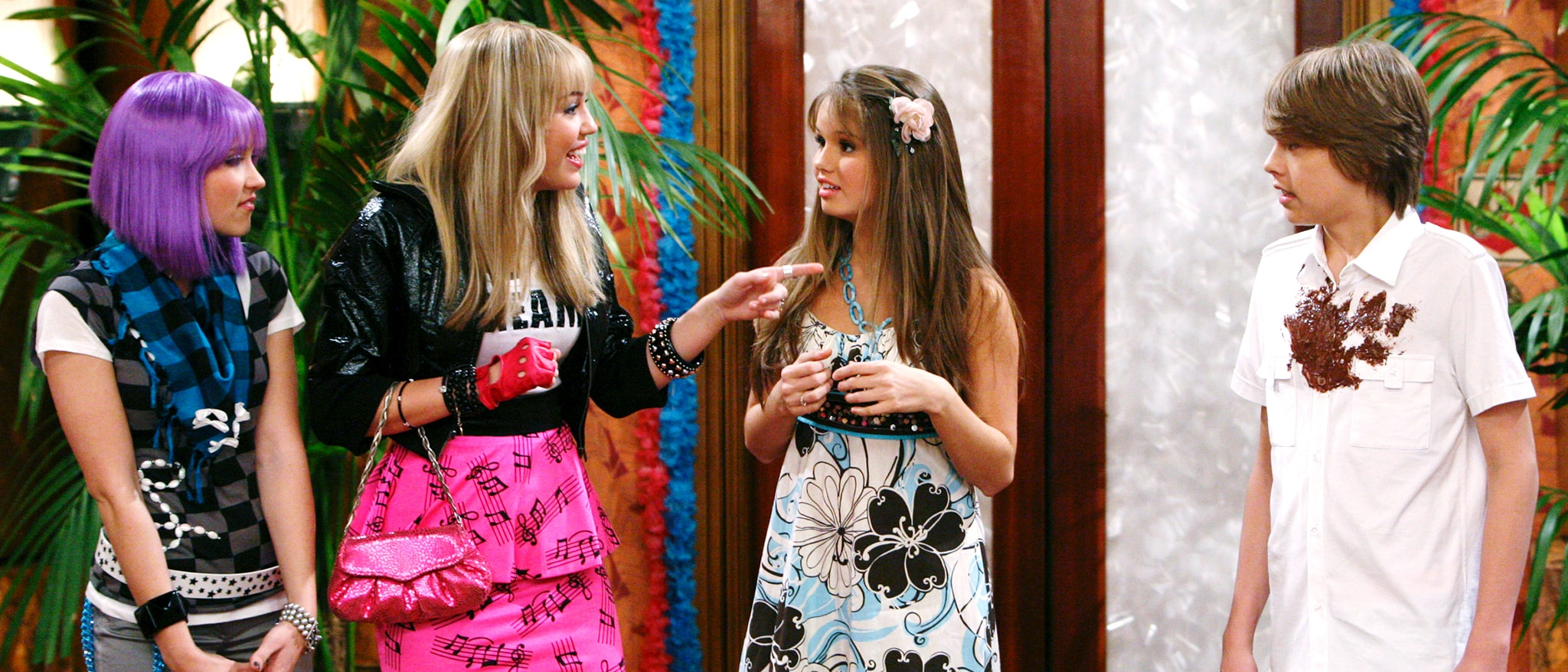 Wizards on Deck with Hannah Montana Hero