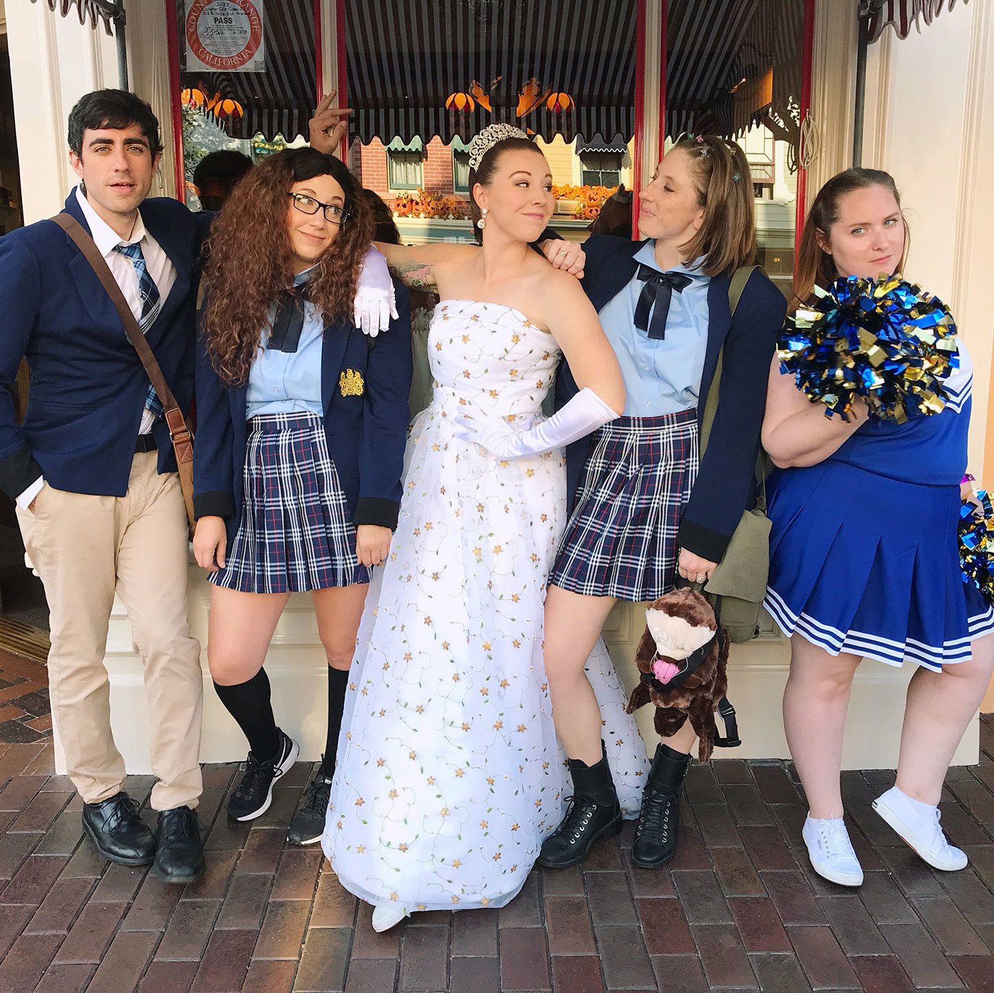 Shut Up! Shut Up! This Princess Diaries Group Halloween Costume is So Good