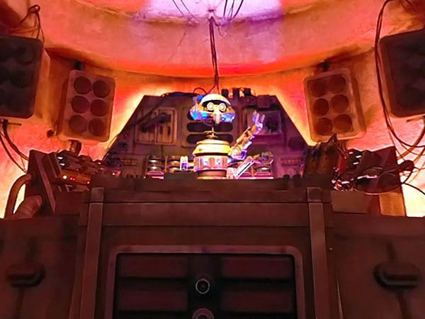 Step Inside Oga's Cantina and Dok-Ondar's Den of Antiquities at Star Wars: Galaxy's Edge