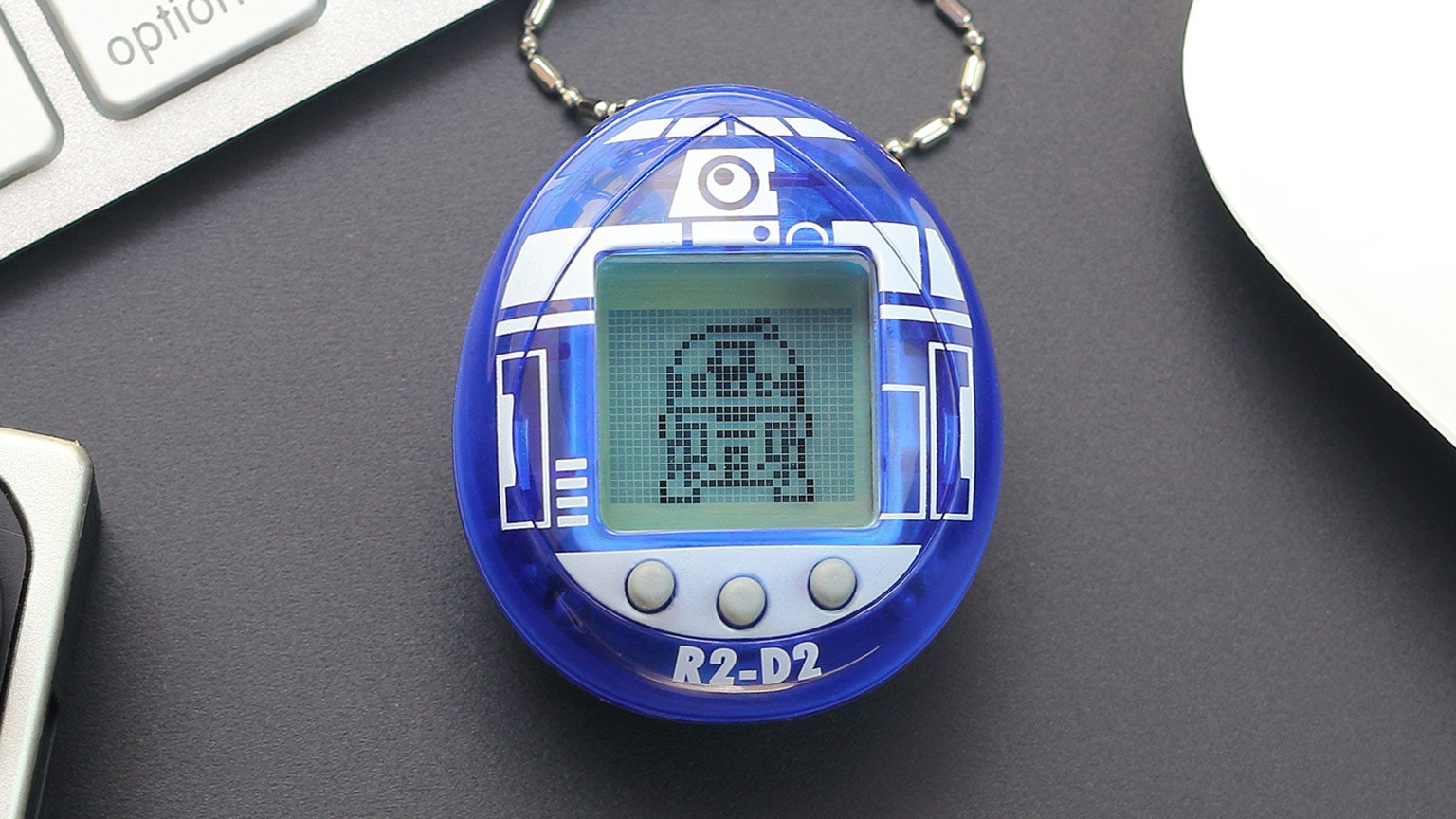 The New R2-D2 Tamagotchi is Here to Be Your Droid Buddy – Exclusive