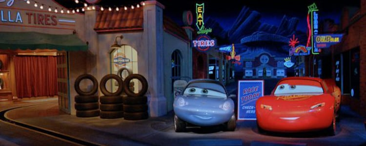 Acelere na Radiator Springs Racers no Disneyland Resort