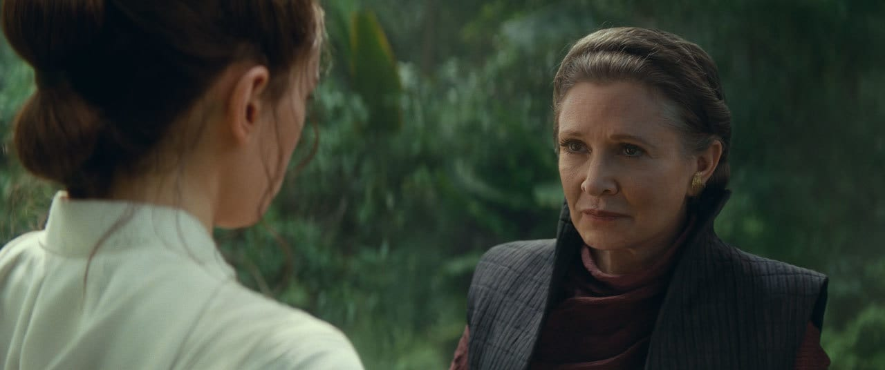 Leia with Rey on Ajan Kloss