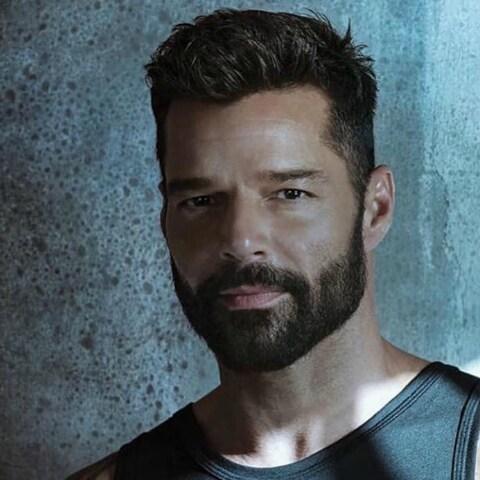 """Ricky Martin presenta """"Tiburones"""""""