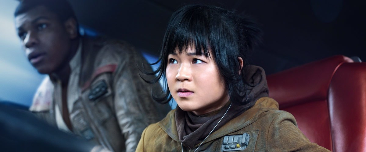 Rose Tico and Finn in the cockpit of a ship
