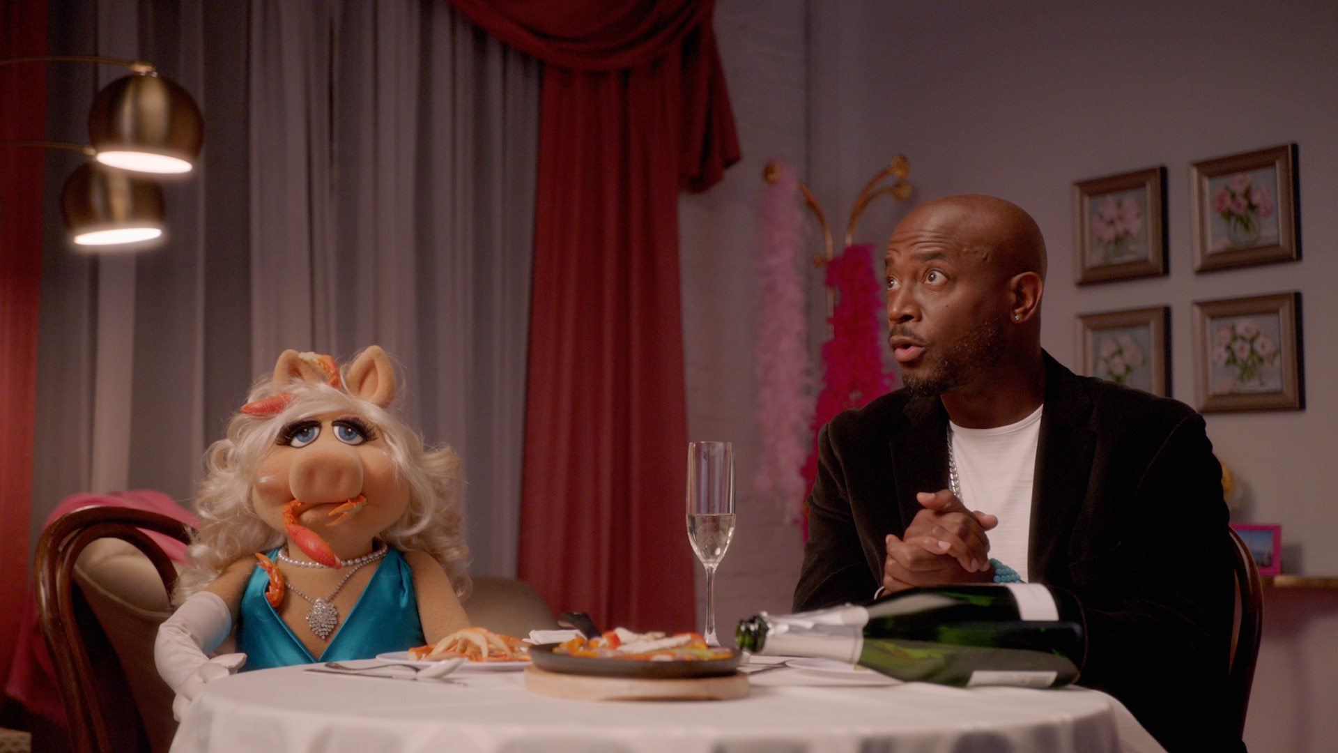 "Miss Piggy and Taye Diggs in ""Muppets Now,"" streaming only on Disney+"
