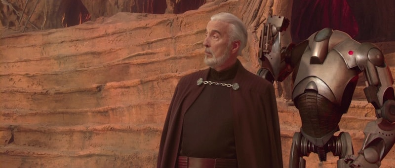 A Super Battle Droid standing with Count Dooku on Geonosis