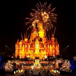 Exibição da inauguração de gala do Shanghai Disney Resort em 2016