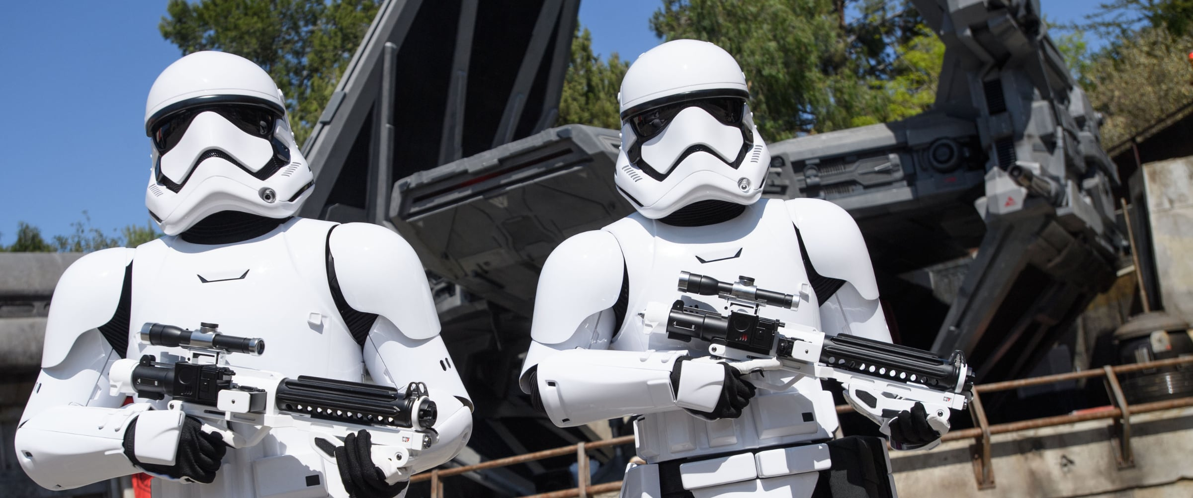 Star Wars: Galaxy's Edge | 5 Reasons | Article Page Hero