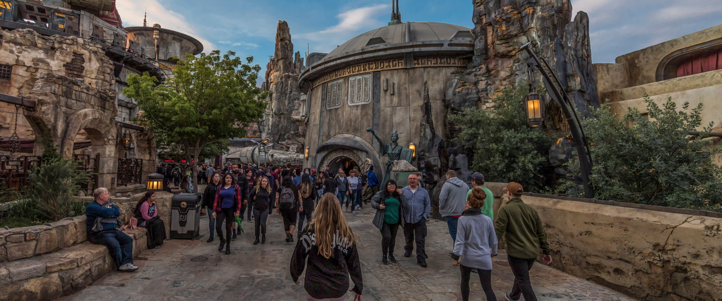 Star Wars: Galaxy's Edge | Bounding | Article Page Hero