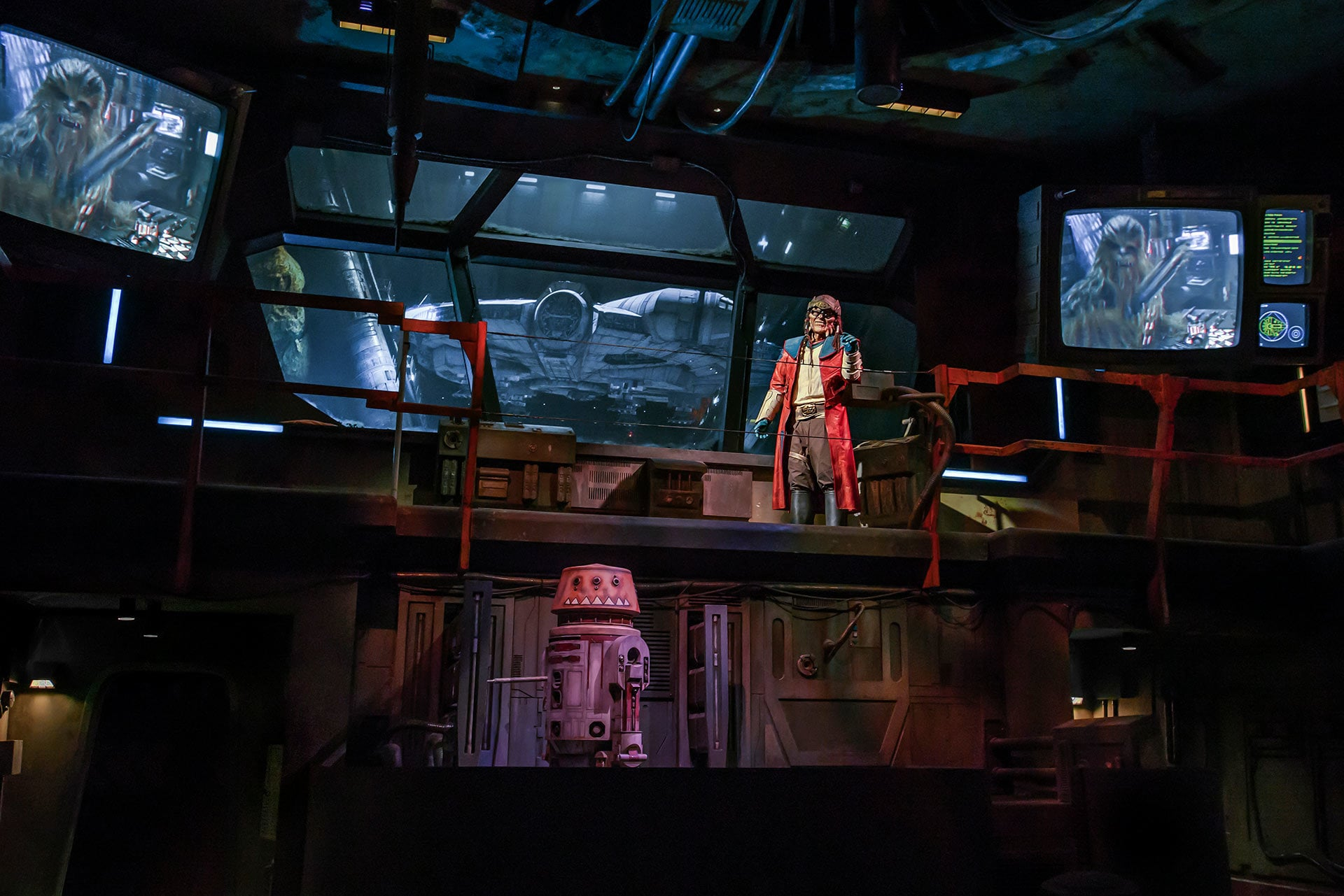 The notorious Weequay pirate, Hondo Ohnaka, gives guests their mission prior to boarding Millennium Falcon: Smugglers Run.