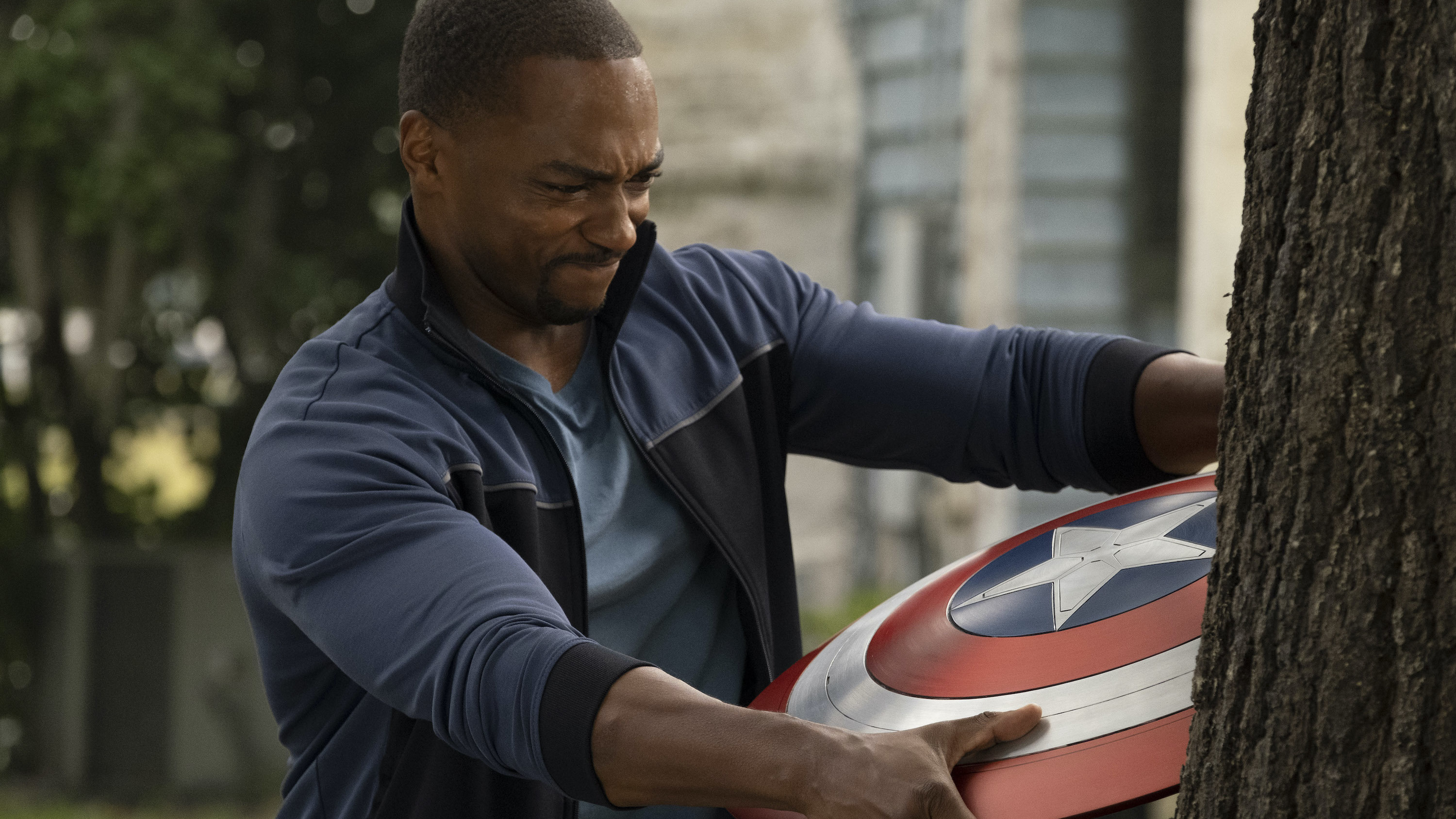 Falcon/Sam Wilson (Anthony Mackie) in Marvel Studios' THE FALCON AND THE WINTER SOLDIER exclusively on Disney+. Photo by Chuck Zlotnick. ©Marvel Studios 2021. All Rights Reserved.